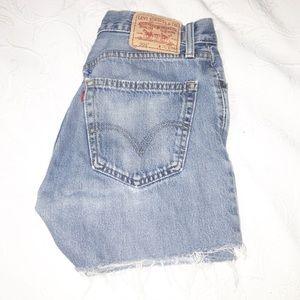 Levi's 505 Cutoff Medium Wash Shorts SZ: 32 (10)